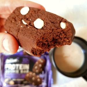 Cookie proteico chocolate com gotas belive